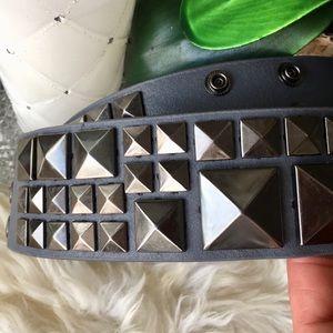 BCBG Maxeria Leather Belt ❤️